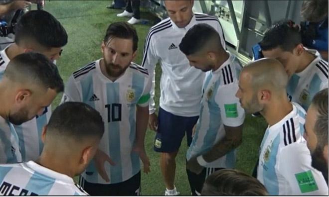 """Argentina """"lột xác"""": Messi chỉ đạo chiến thuật, HLV thành bù nhìn - 1"""