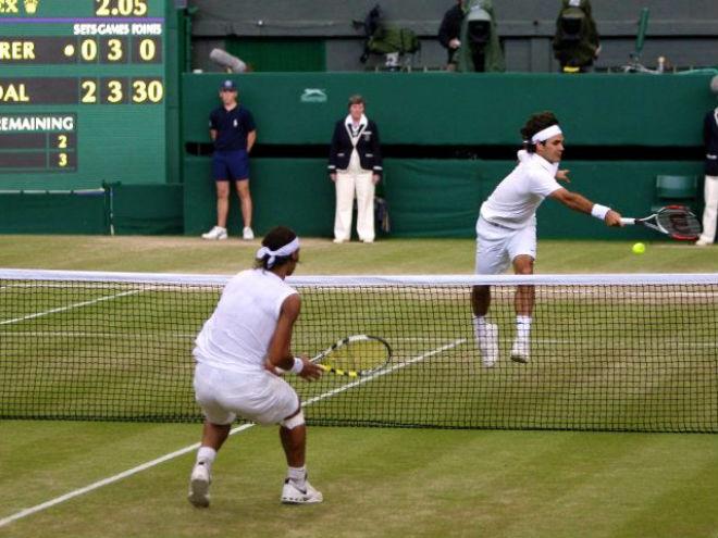 """""""Siêu kinh điển"""" Wimbledon: 5 tiếng tranh cúp vàng, Federer hận Nadal thấu xương - 1"""