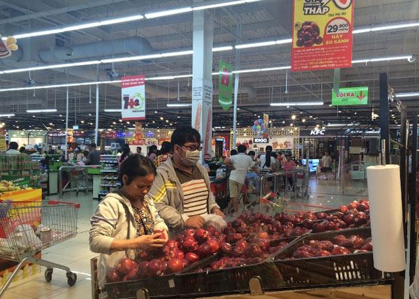 Vì sao trái cây nhập khẩu rẻ khó hiểu: Táo Mỹ còn gần 30.000 đ/kg - 1