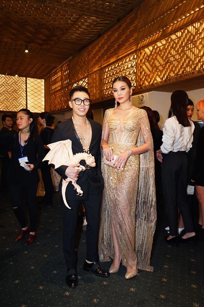 Công phá thảm đỏ Elle Style Awards, Thanh Hằng bật mí về BST sắp ra mắt của Công Trí - 1