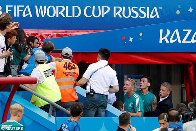 Đức ê mặt World Cup: Bị fan quay lưng, Ozil học Messi từ giã đội tuyển? - 1