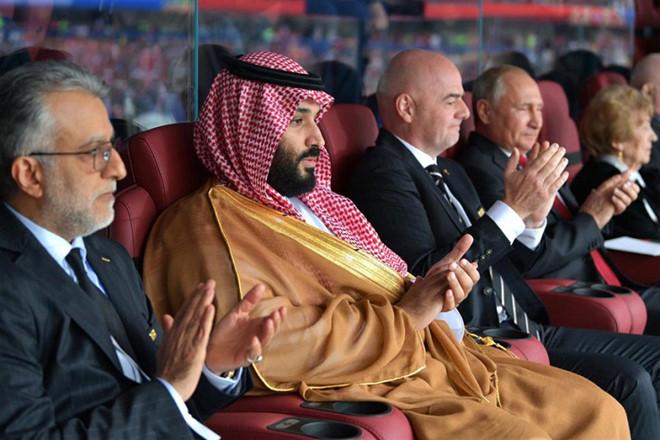 """Ả Rập Saudi """"trêu ngươi"""" kình địch Qatar vì World Cup 2018 - 1"""