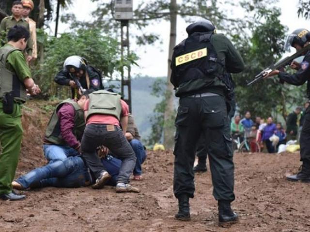 Cảnh sát tạo 4 lớp khi tấn công nhóm tội phạm ma túy ở Sơn La