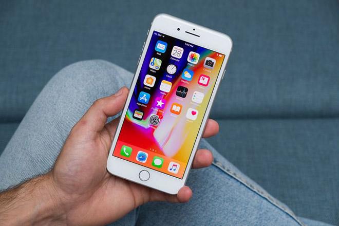 Người dùng Android đang có xu hướng mua iPhone lớn hơn, rẻ hơn - 1