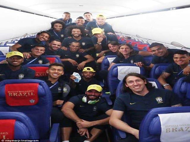 Trực tiếp vòng 1/8 World Cup 2018: Brazil - Mexico, Neymar hành xác 3.400 km