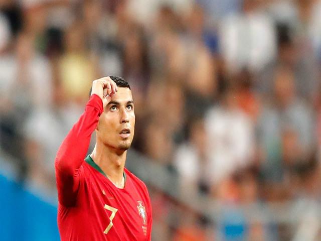 """Đấu Uruguay, Ronaldo lĩnh cú sốc: Bị Real rao bán, """"ông trùm"""" hạ giá 1 tỷ euro"""