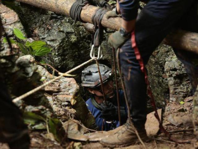 Hy vọng mới cứu đội bóng mắc kẹt trong hang động ở Thái Lan