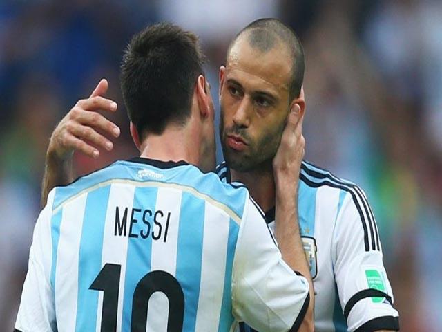 """Đại chiến Argentina – Pháp: Mascherano kém nhất, """"ông trùm"""" Messi phán xử thế nào?"""