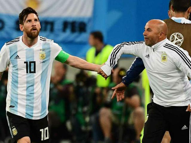 """Vòng 1/8 World Cup: """"Đại ca"""" Messi bị tố lạm quyền, HLV Argentina nói gì?"""