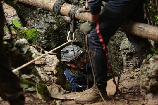 Hy vọng mới cứu đội bóng mắc kẹt trong hang động ở Thái Lan - 1