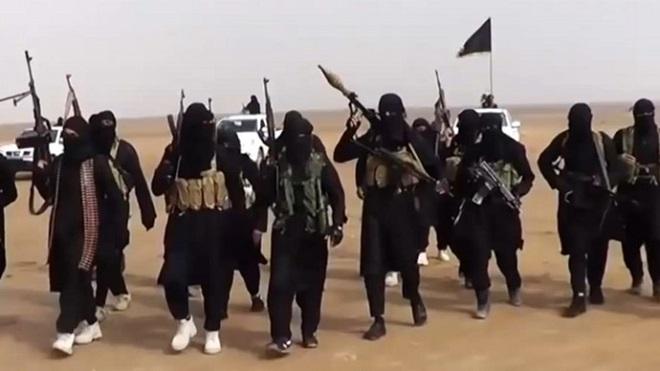 """Khủng bố IS lần đầu tiên xử tử """"điệp viên"""" Anh vì tiết lộ thông tin tối mật - 1"""