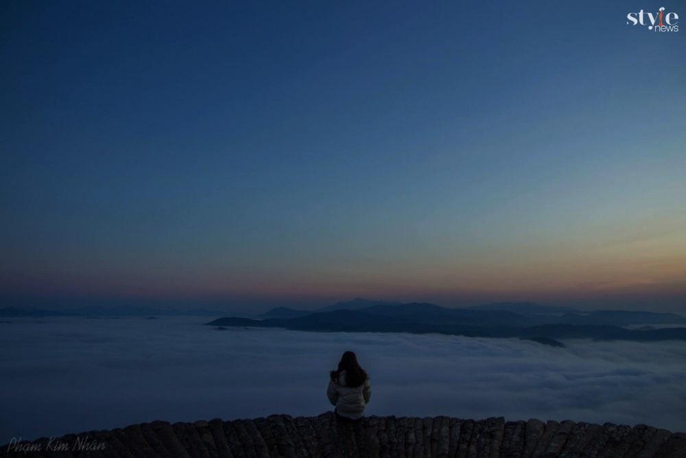 'Săn mây' trên cây cầu gỗ đẹp như chốn bồng lai ở Đà Lạt - 1