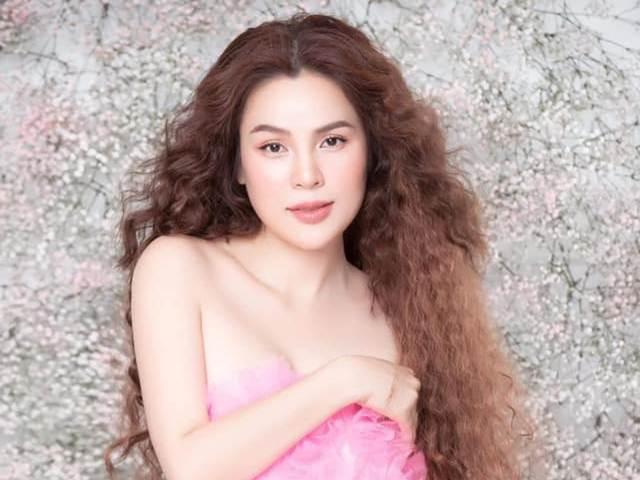 Hoa hậu Phương Lê tiết lộ từng phẫu thuật thu nhỏ vòng 1 lớn 95cm
