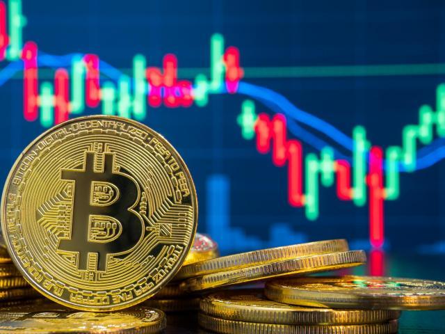 Bitcoin bất ngờ tăng dựng đứng đầy bí ẩn