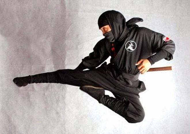 """Sửng sốt bí mật Ninja Nhật: 3 ngày đi 563km, """"nhún nhẹ"""" qua tường 2m - 1"""