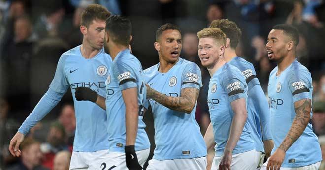 """Ngoại hạng Anh định ngôi vua 6 vòng cuối: MU """"giúp"""" Liverpool vì vé dự Cúp C1? - 1"""