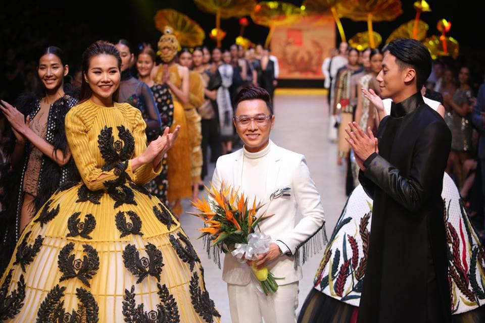 Công Trí vắng mặt, Chung Thanh Phong tự tin mở màn Tuần lễ thời trang - 1
