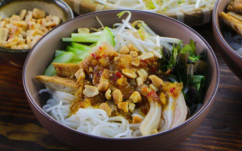Bún mắm nêm nặng mùi nhưng đốn tim nhiều du khách đến Đà Nẵng-Ẩm thực 24h