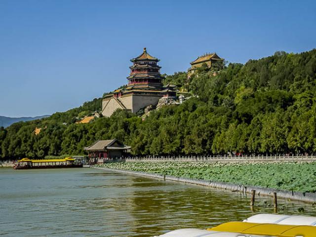 Lạc trôi về cổ đại tại Di Hòa viên - cung điện mùa hè của hoàng tộc nhà Thanh