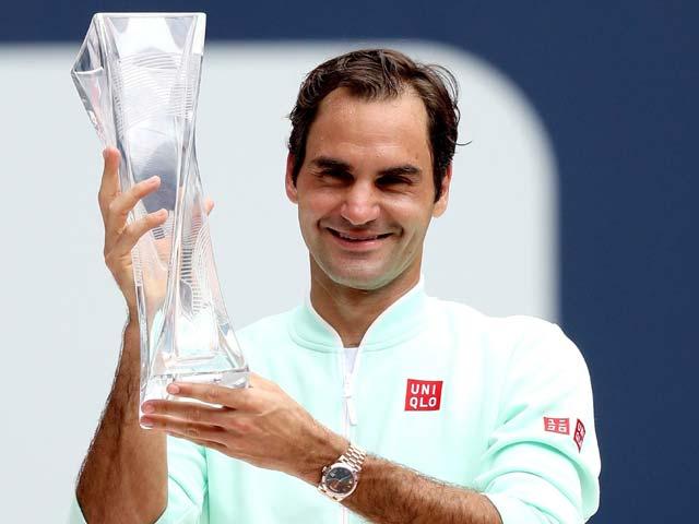 """Federer """"bất tử"""" trên đỉnh cao: Thầy cũ tiết lộ bí mật của """"Tàu tốc hành"""""""