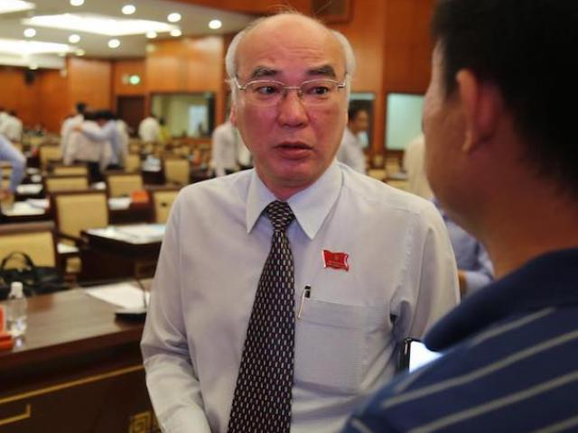"""ĐBQH TP.HCM nói về hành vi """"nựng"""" bé gái trong thang máy của ông Nguyễn Hữu Linh"""