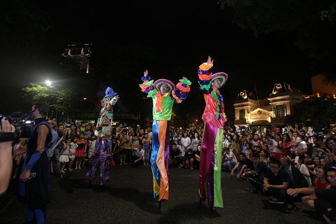 Carnival đường phố khuấy động Lễ hội Du lịch Biển Sầm Sơn 2019 - 1