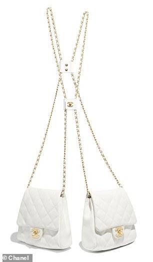 Chanel lăng xê xu hướng túi theo cặp gây sốt - 1