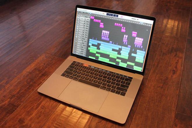 """Apple lại cho người hâm mộ """"dài cổ"""" chờ bản MacBook Pro thiết kế đột phá - 1"""