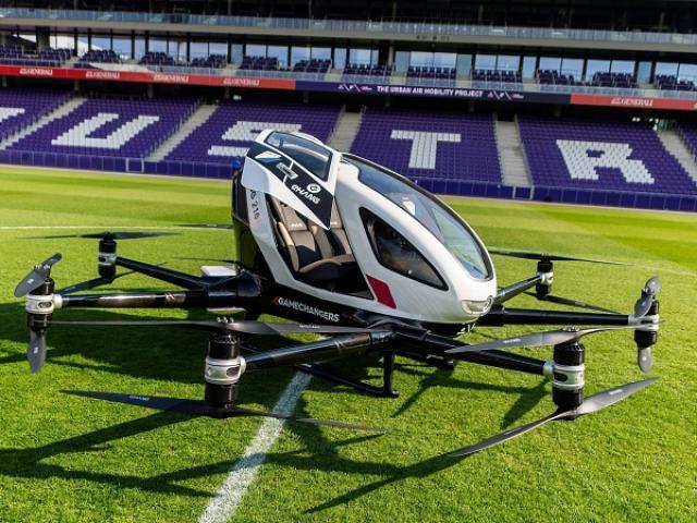 Máy bay cá nhân đầu tiên trên thế giới bay thử nghiệm ở châu Âu