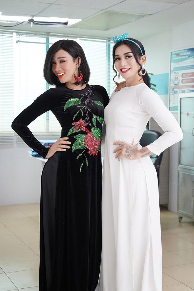 """BB Trần và Hải Triều trong trang phục y tá """"có một không hai"""" - 1"""