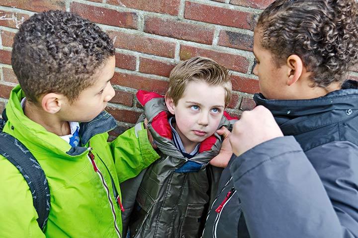 8 lời khuyên từ chuyên gia giúp bố mẹ ngăn chặn hành vi đánh bạn của con - 1