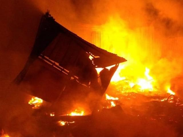 1555061980 481 155506076426488 thumbnail Tên sát nhân kỳ dị yêu thích các đám cháy: Gia đình rắc rối