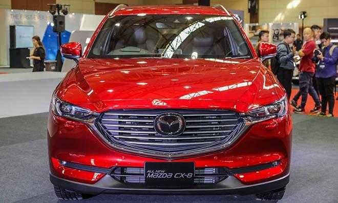 Mazda CX-8 phiên bản 07 chỗ, máy dầu 2.2L có AWD trình diện tại Malaysia - 1