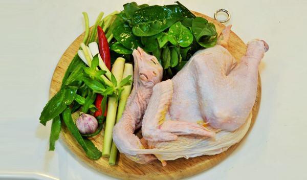Cách nấu lẩu gà lá giang cho ngày cuối tuần sum họp - 1
