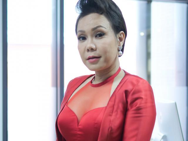 """Việt Hương nói gì khi nhiều người khuyên """"đi kéo giò"""" để tăng chiều cao?"""