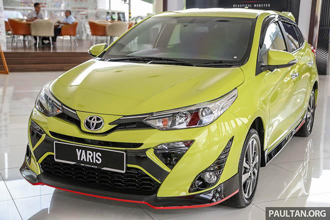 Toyota Yaris 2019 màu xanh chuối, bản nâng cấp nhẹ nhàng về thiết kế - 1