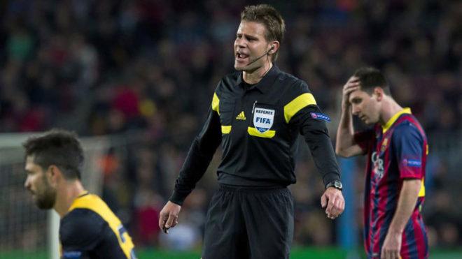 """Trọng tài đại chiến Barca - MU: Messi sợ dớp buồn, """"Quỷ đỏ"""" mừng thầm - 1"""
