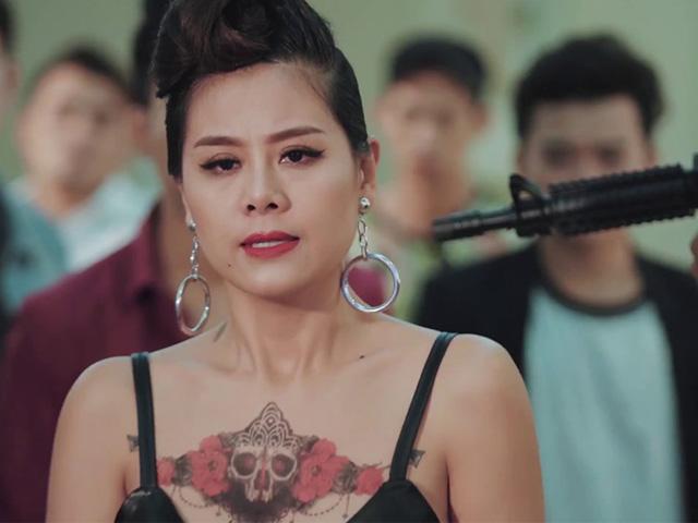 Nam Thư nhận nút Vàng kênh YouTube, trả hết nợ nửa tỷ phim giang hồ