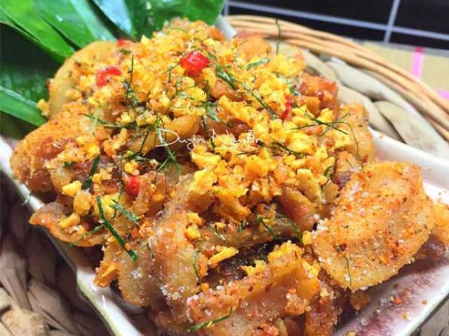 Cách làm món tóp mỡ rang muối ớt đơn giản mà đưa cơm