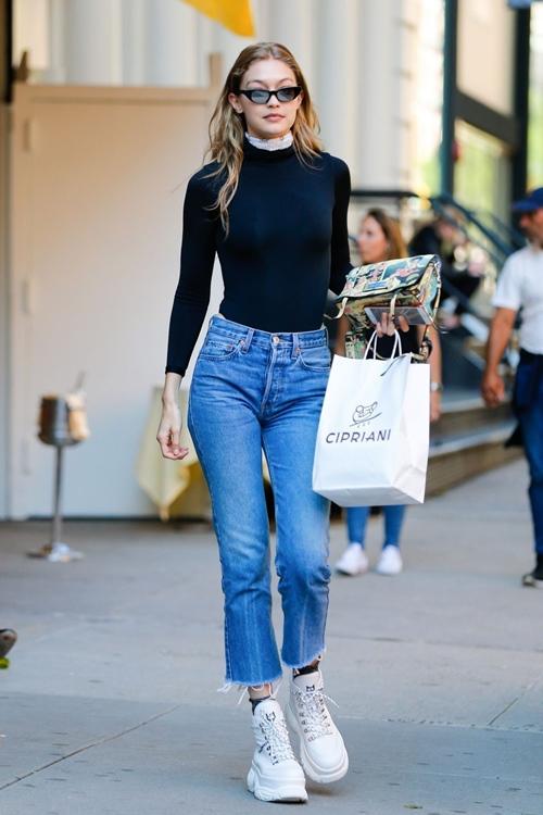 5 xu hướng quần jeans đẹp đang đợi bạn khám phá - 1