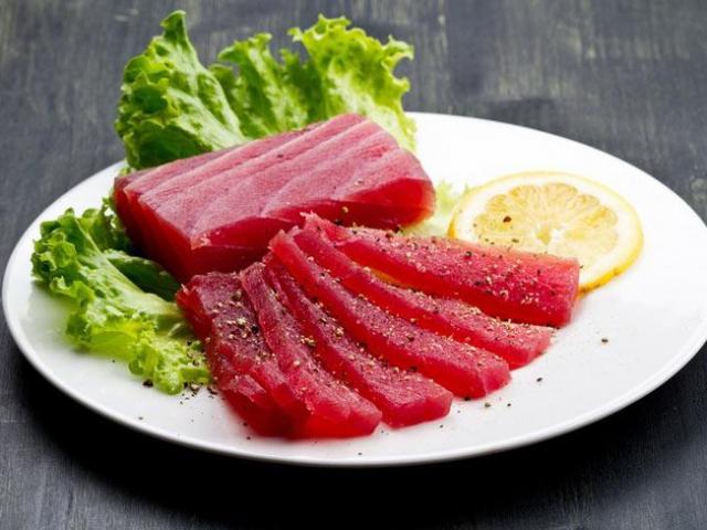 Ăn gỏi cá sống có thể khiến bạn mắc những bệnh tồi tệ này