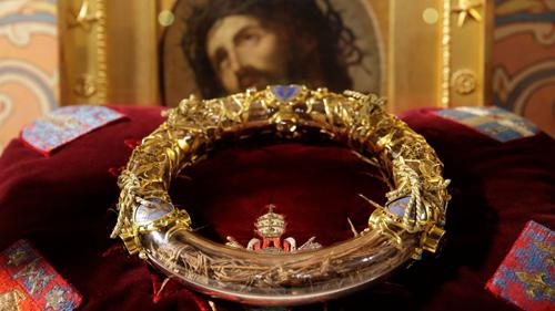 Bảo vật trong Nhà thờ Đức bà từng ở trên đầu Chúa Jesus khi bị đóng đinh? - 1