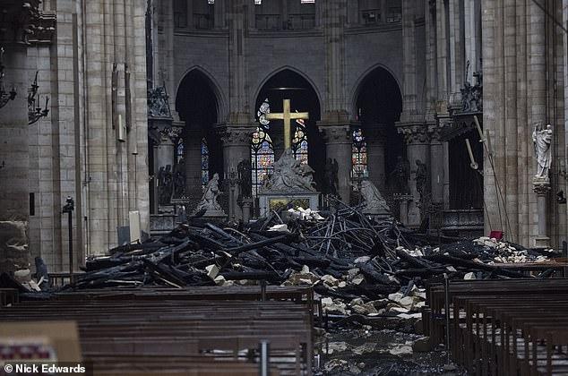 Thông tin không hay về việc khôi phục Nhà thờ Đức bà Paris - 1