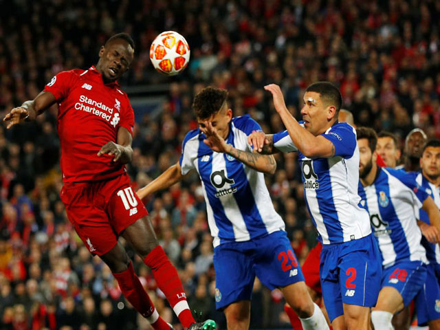Porto - Liverpool: Visitors are watching