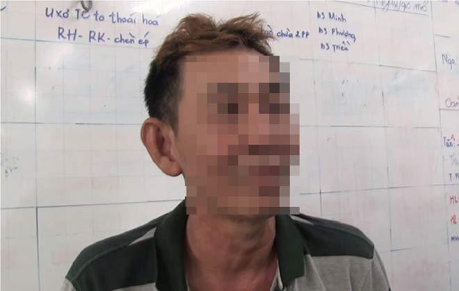 """Bố cô gái bị giam giữ, tra tấn suốt 21 ngày: """"Tôi đau như chết đi sống lại"""" - 1"""