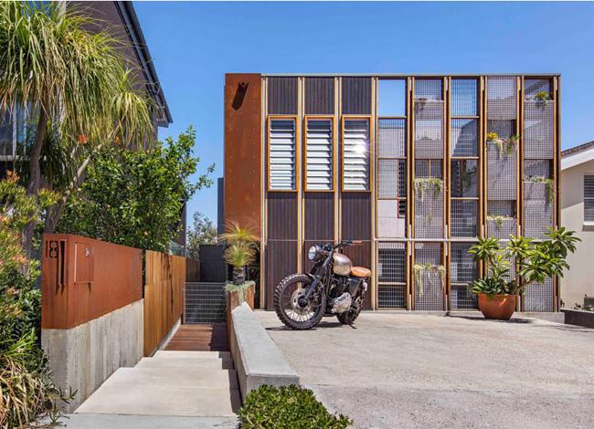 Đây là một căn nhà có thiết kế vô cùng độc đáo, tọa lạc tại thành phố biển Sydney, nước Úc khiến nhiều người Việt phải thèm kháttrong bối cảnh nắng nóng đang bao trùm, có nơi lên tới hơn 40 độ C.