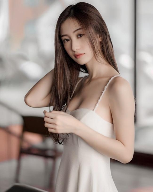 Jun Vũ tên thật là Vũ Phương Anh, sinh năm 1995, được mệnh danh là hot girl trà sữa.