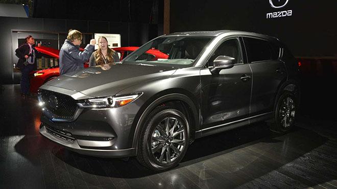 Chiêm ngưỡng Mazda CX-5 Signature phiên bản máy dầu với dẫn động bốn bánh AWD đầy đột phá - 1