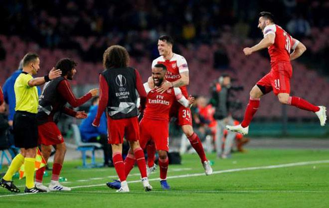 Napoli - Arsenal: Đường cong sút phạt mãn nhãn, vé vàng trao tay - 1