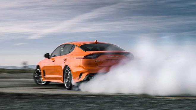 Kia Stinger GTS 2019 phiên bản đặc biệt với màu cam không thể nào sang chảnh hơn - 1